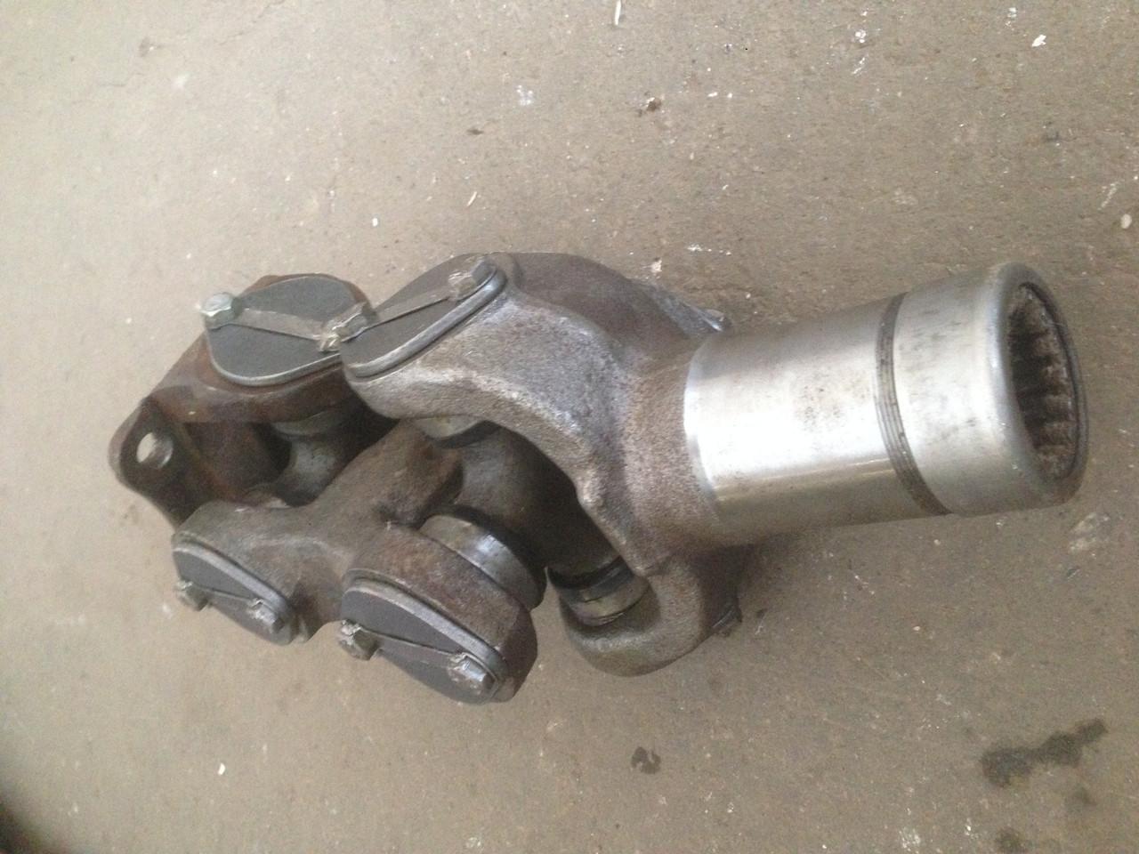 Вилка двойная 151.36.023-2 среднего кардана, трактора Т-150,Т-156,Т-17221,Т-17021