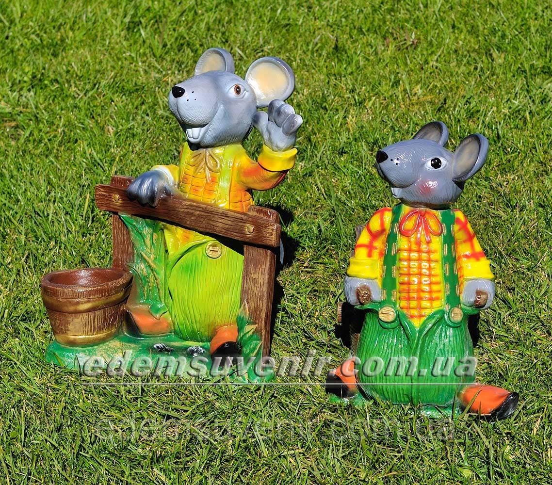 Садовая фигура подставка для цветов Мышь с тачкой и Мышь у забора