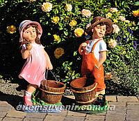 Садовая фигура подставка для цветов Помощник и Помощница