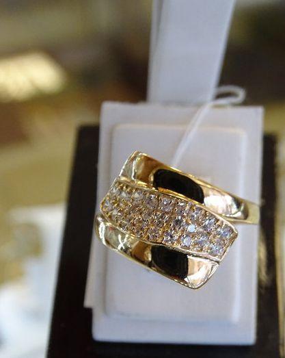 Золотое кольцо женское - с вставкой