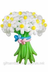 Букет белых ромашек из воздушных шаров в количестве 21 шт