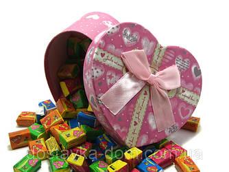 Жевательные резинки Love is... в подарочной упаковке