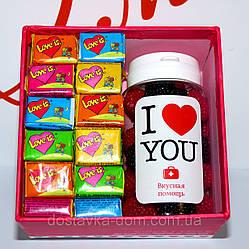 """Подарочный набор №1 для влюбленных с жевательными резинками Love Is... и вкусной помощью """"I love you"""""""