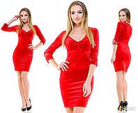 Красивое красное бархатное платье