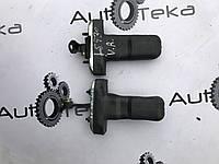 Стабилизатор двери Lexus LS430 (UCF30)