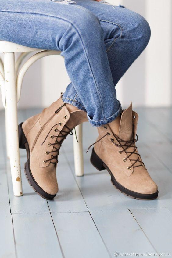 Женские ботинки в можском стиле