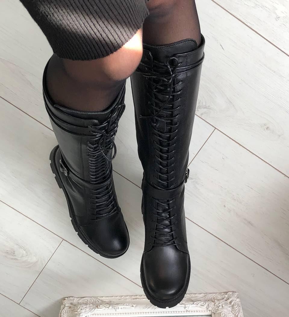 Модные высокие зимние кожаные женские сапоги на платформе танкетке со  шнуровкой черные D41FG90М b4f516565f6d7