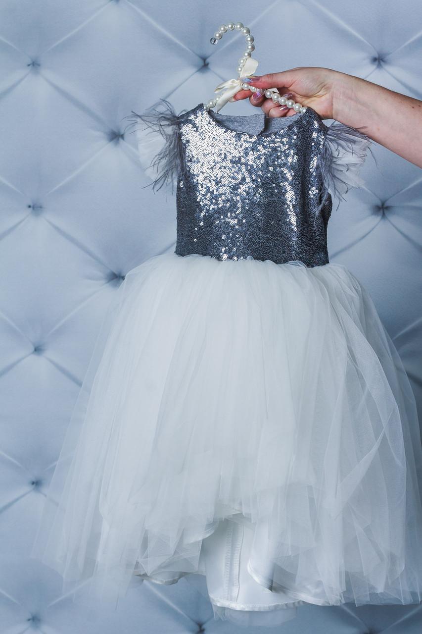 Нарядное платье для девочки с паетками Белое
