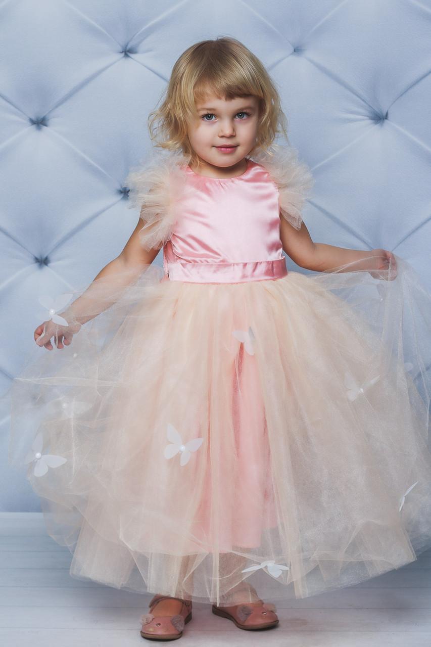 Нарядное атласное платье с бабочками персик