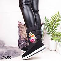 Сапоги дутики на молнии черные с цветочком, фото 1