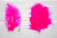 Перо цветное мини, 100 шт, длина 7-10 см, цвет малиновый