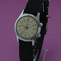 Часы Сигнал кл1 механические с будильником СССР , фото 1
