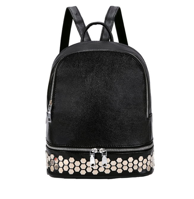 Рюкзак женский кожзам с заклепками однотонный Черный