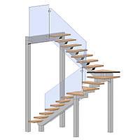 Лестница на центральном косоуре с металлическими опорами