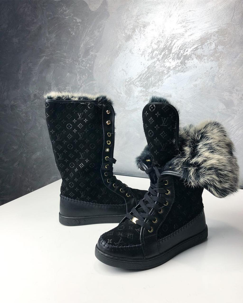 Черные замшевые ботинки Louis Vuitton с монограммой и мехом на шнуровке 20e8fe84ee1