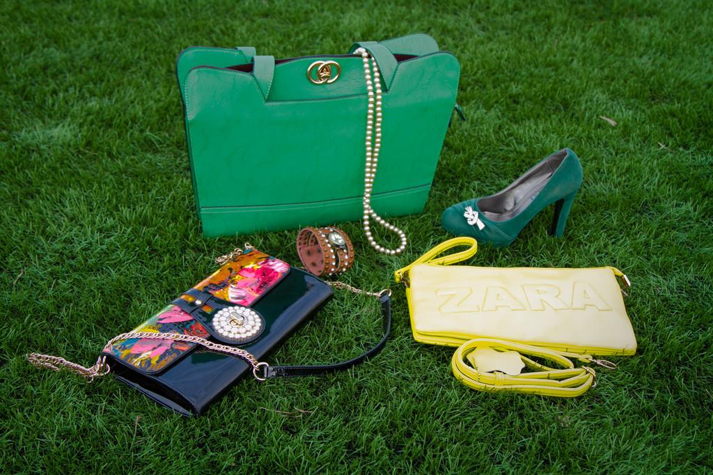 Женские сумочки, клатчи, кошельки, дорожные сумки.