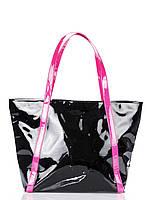 Черная лаковая сумка с розовыми ручками