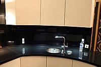 Полукруглая кухонная столешница из кварца