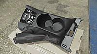 Bhn164431 Накладка на кулису с подстаканником Mazda 3 III BM в отличном состоянии