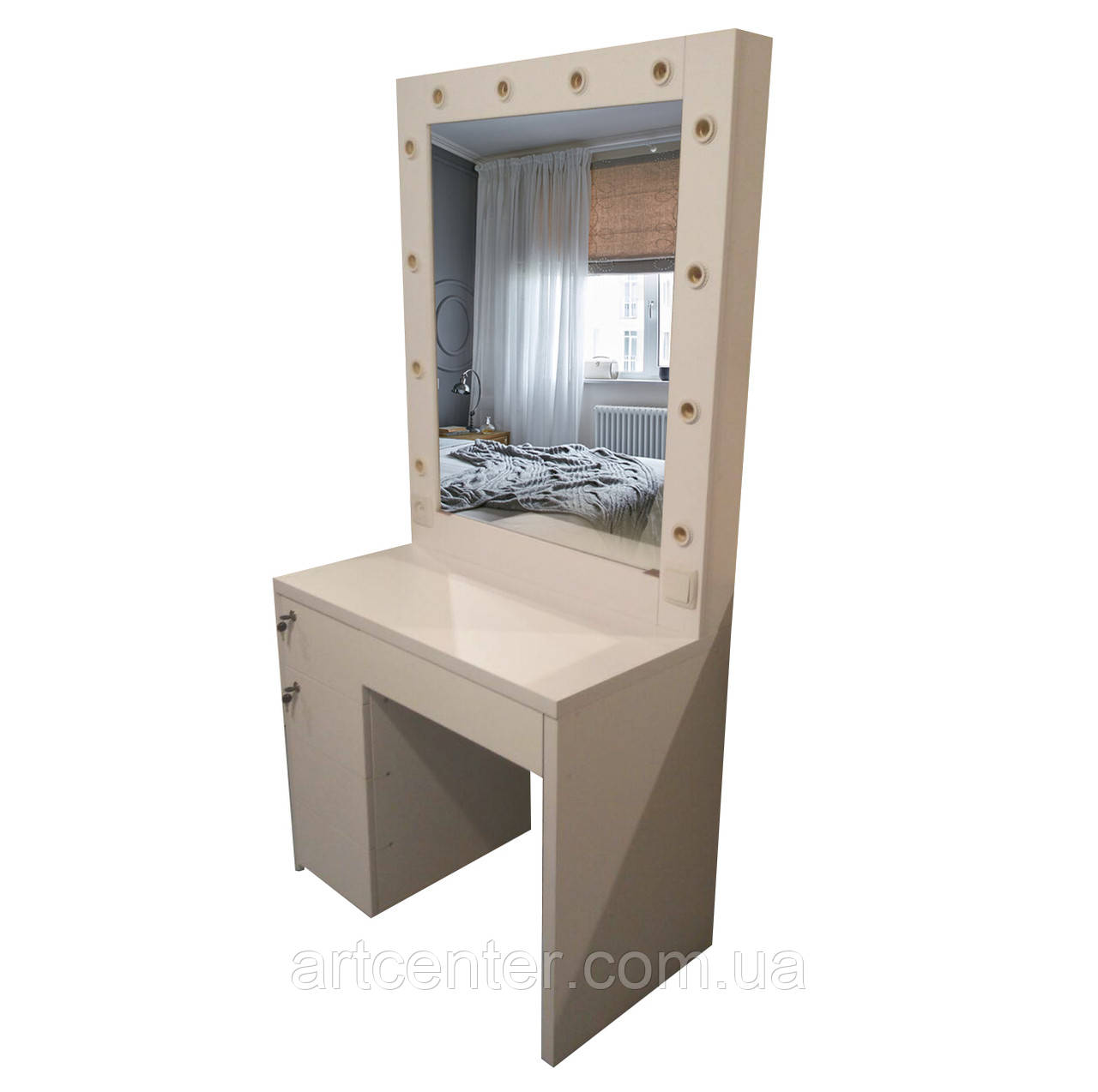 Стол визажный с системой push-to-open