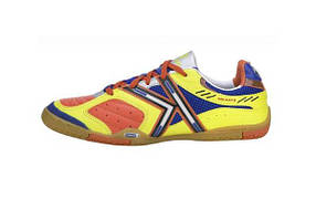 Kelme indoor star360 [EUR 41\26cm]
