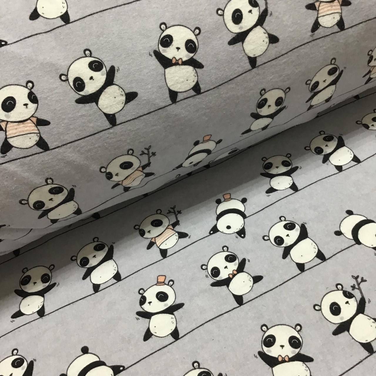 Фланелевая ткань панды на полоске на сером