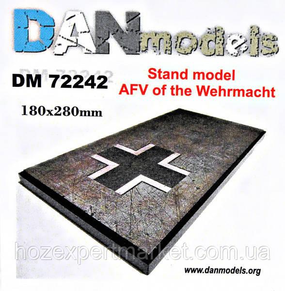 Подставка для моделей. Тема: Бронетанковая техника Вермахта (180x280 мм)