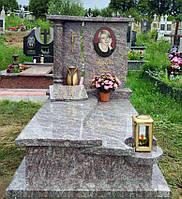 Елітний жіночий пам'ятникз світлого граніту. декор для памятника 5006