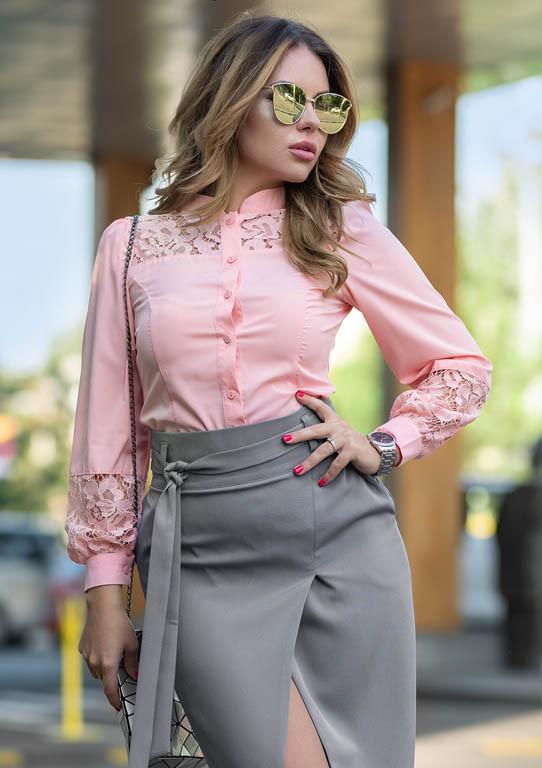 8d12e804fb9 Женская рубашка с кружевом розового цвета. Модель 19043. Размеры 42-46