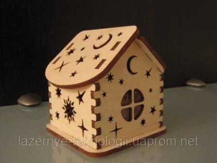 Домик миниатюрный со звёздами
