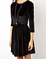 Расклешенное велюровое платье