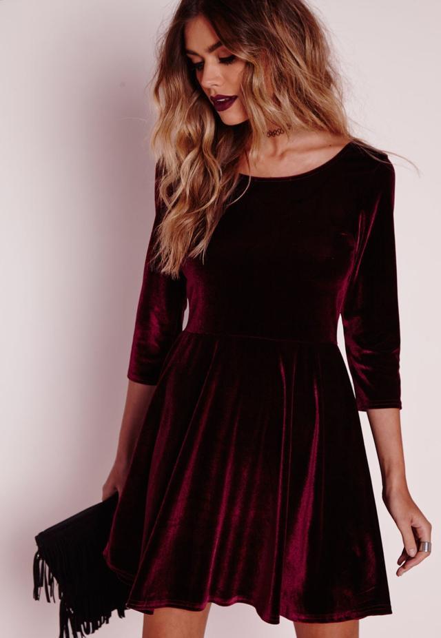 Велюровое платье расклешенное