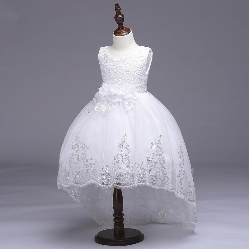 Нарядное платье для девочки с шлейфоми пайетками белое