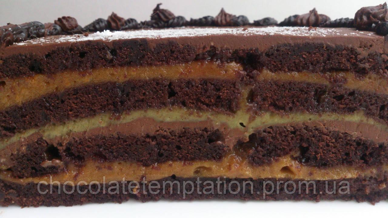 Шоколадно-финиковый веганский торт