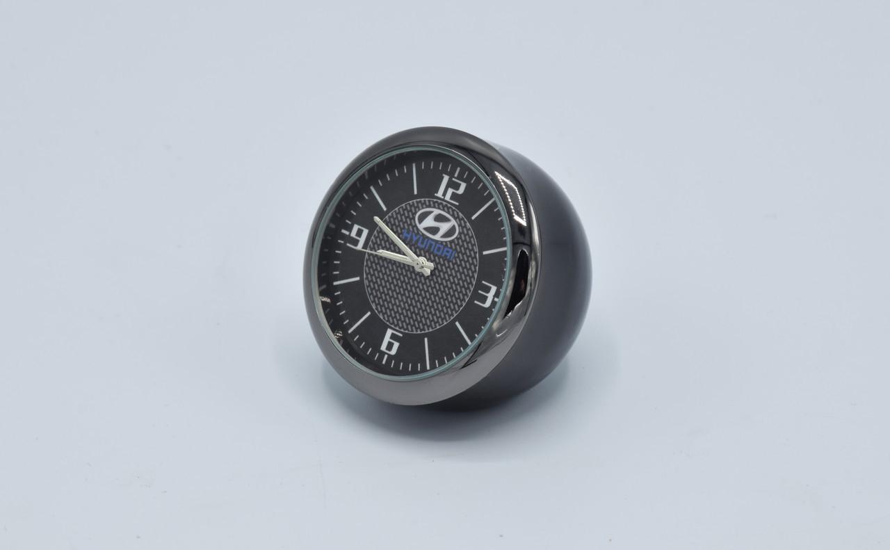 Часы в автомобиль Vehicle clock Hyundai, хром/круглые автомобильные часы с маркой авто в Хундаи подарок