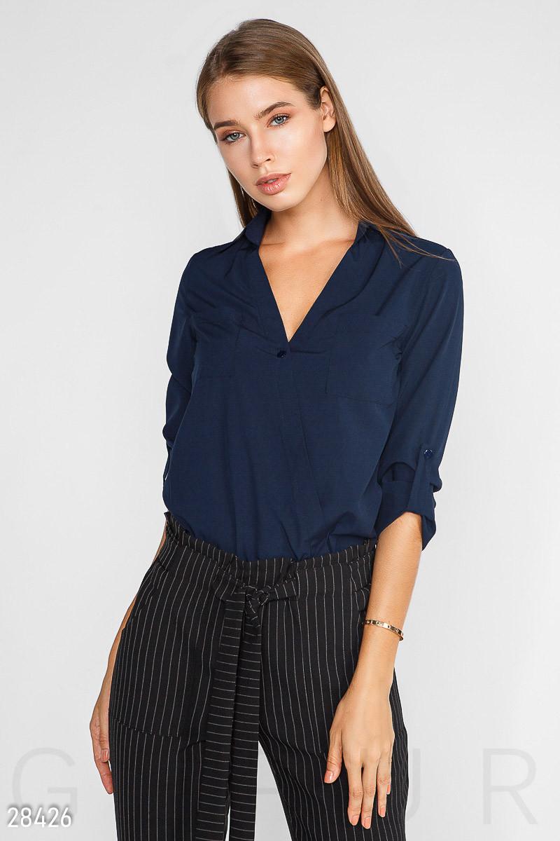 Оригінальна блузка синього кольору на запах