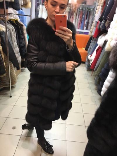Женская куртка из песца с кожанным рукавом (348)