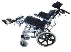Примечательной функцией коляски есть регулировка угла наклона сиденья (tilt position).