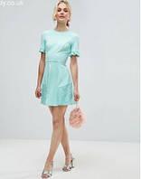18069980f39 Нежное женское платье со вставками из кружева asos