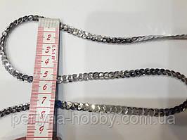 Блискітки паєтки на нитці 6 мм. Сріблясті.