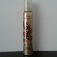 Мусс для волос Wellaflex 200 мл. (Веллафлекс блеск и фиксация), фото 1