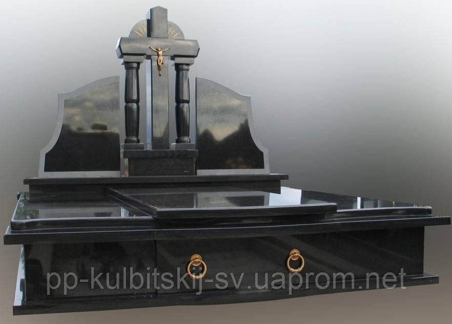 Подвійний пам'ятник з чорного граніту Д6010