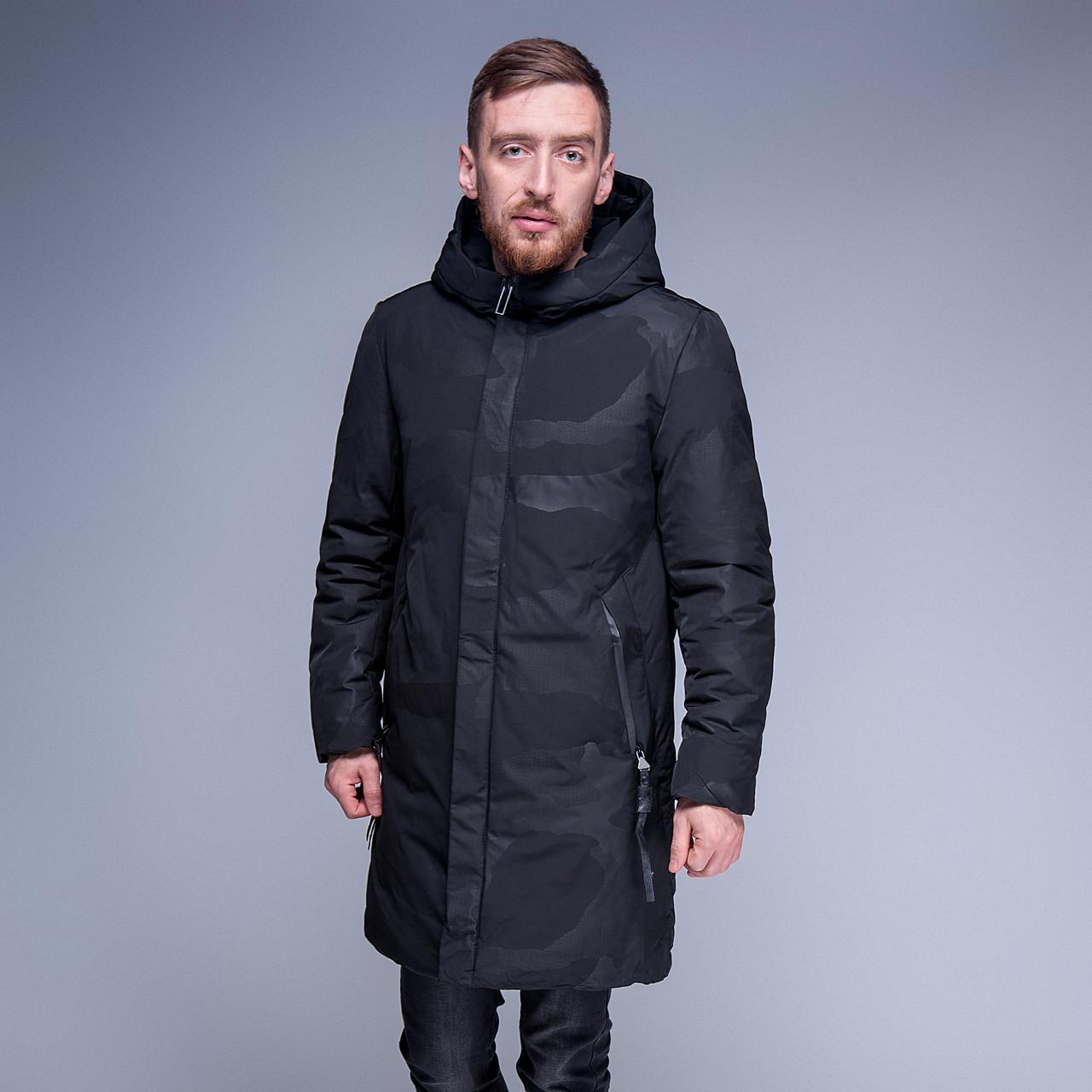 Чоловіча зимова куртка (камуфляж), чорного кольору.