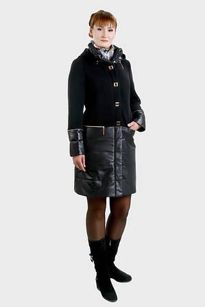 Пальто выполненное из двух различных материалов