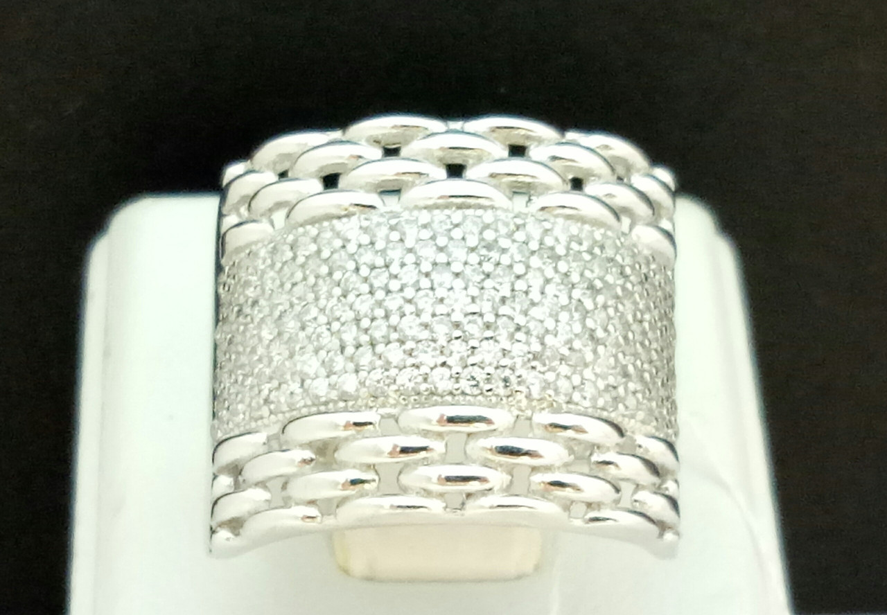 Серебряное кольцо с фианитами. Артикул КВ700С 18