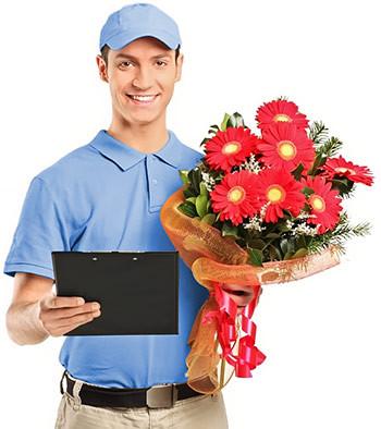 Доставка квітів та корзин
