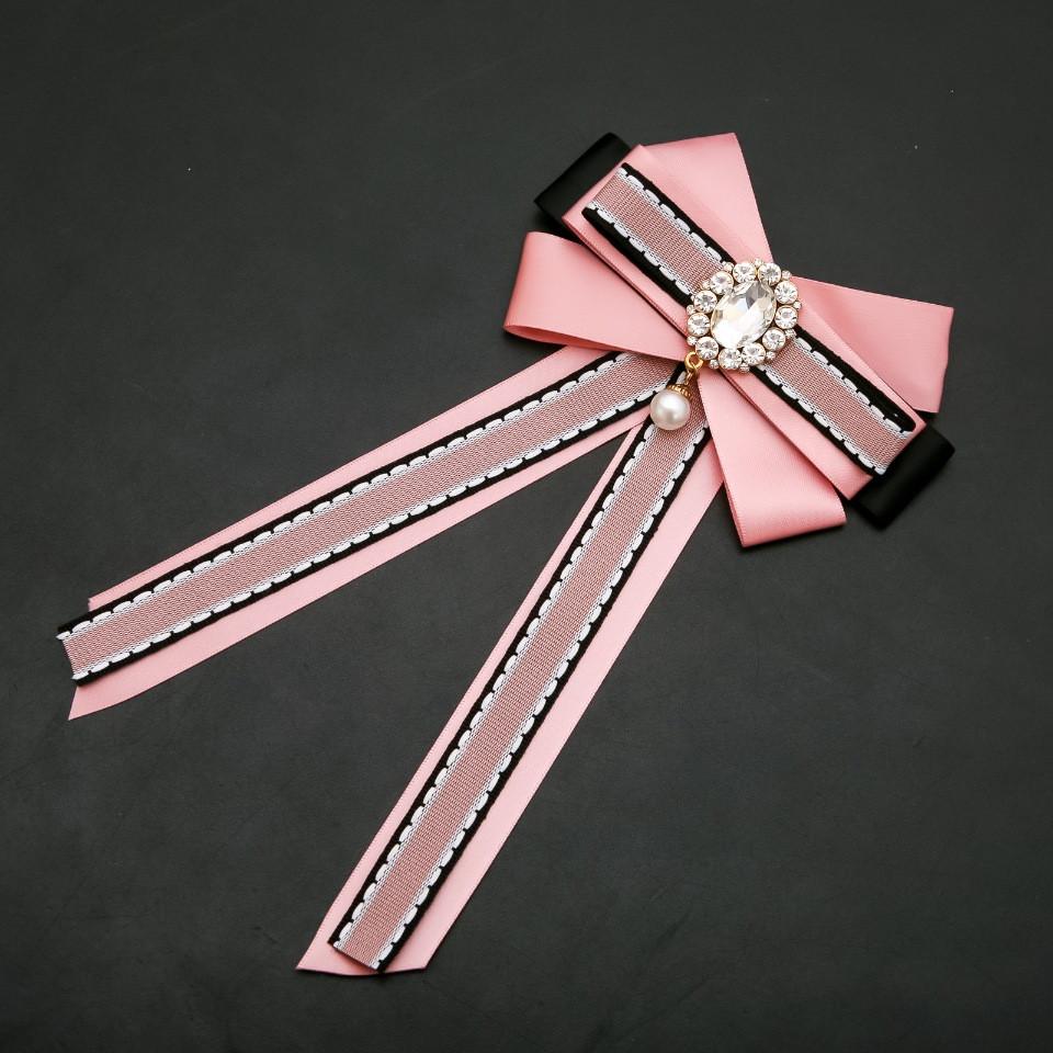 Брошь-галстук из розовых лент под воротничок L-22см