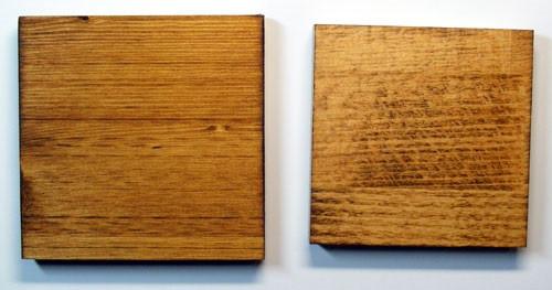 Разные породы древесины по-разному выглядят после обработки лазурью: слева – ель, справа – бук