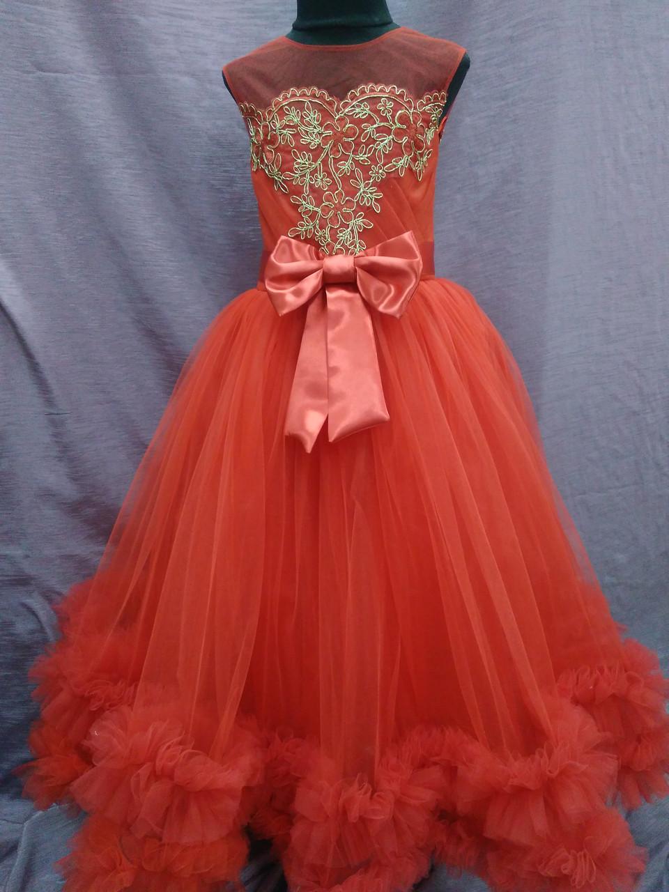 Платье детское нарядное с пушистой юбочкой на 6-9 лет красное