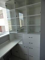 Встроенные шкафы на балкон. Шкафы на балкон Днепр. Корпусная мебель на заказ. Столешница на балкон.